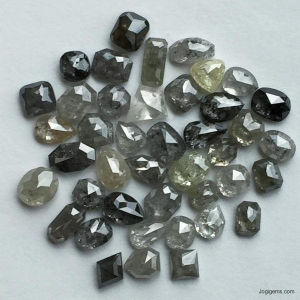 Icy Fnacy shape natural diamond