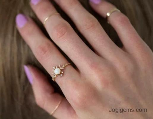 Icy Rustic diamond ring
