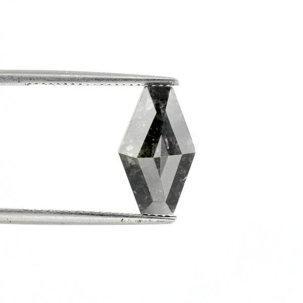 Geometric Salt and pepper diamonds