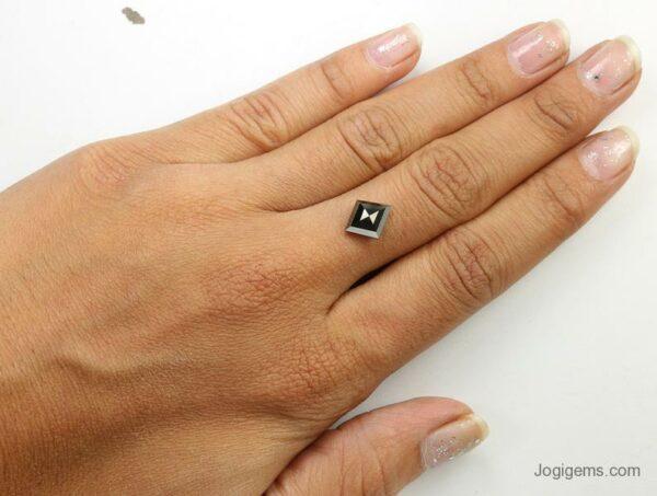 kite shape black diamond