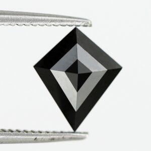 Black diamond kite cut