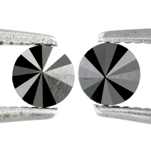 Pair black diamonds